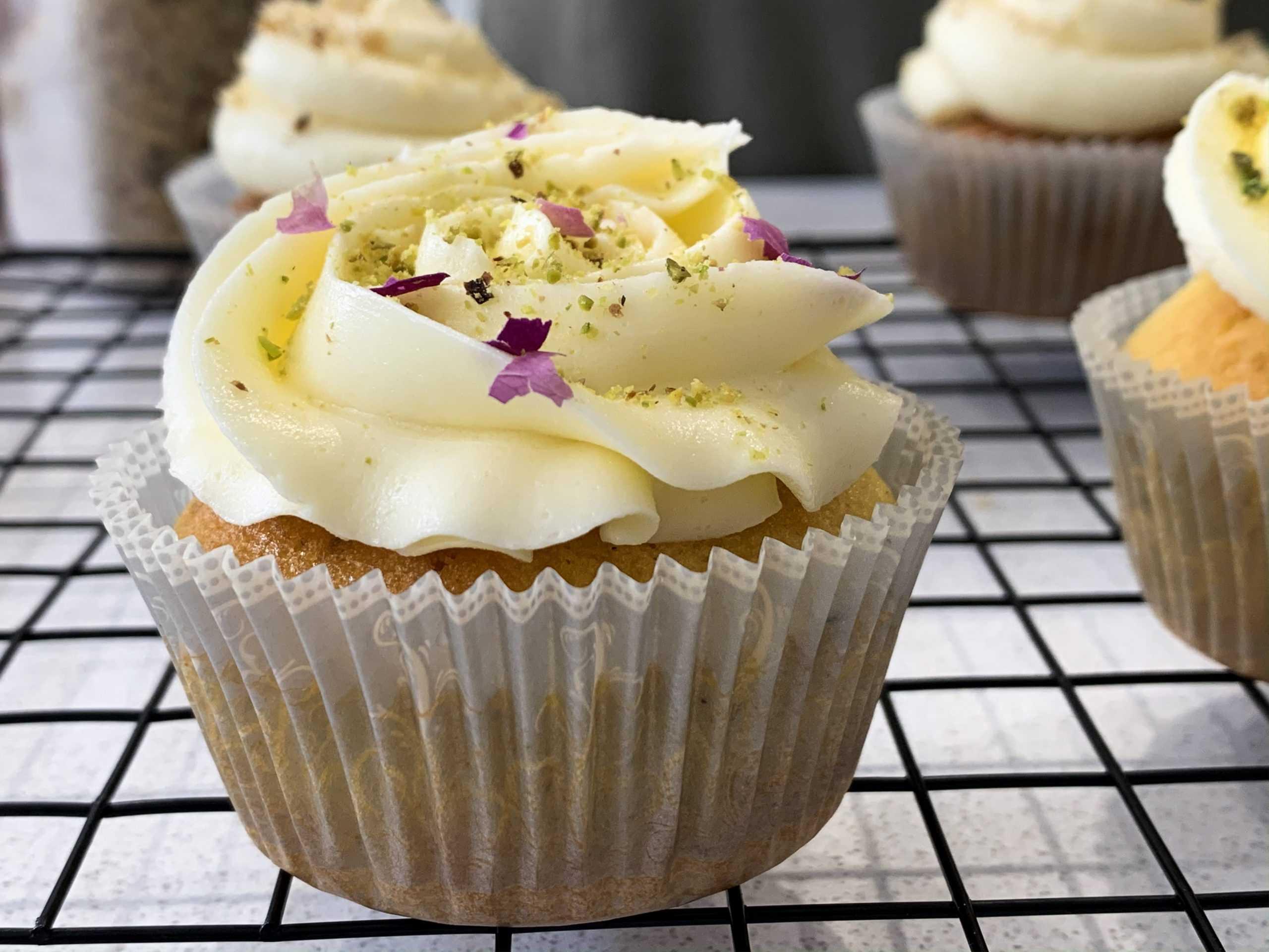 saffron cupcake